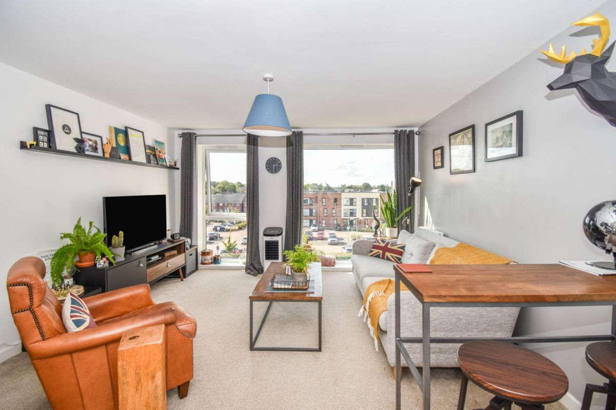 2 Bedroom Flat for sale in Coventry, Monticello Way