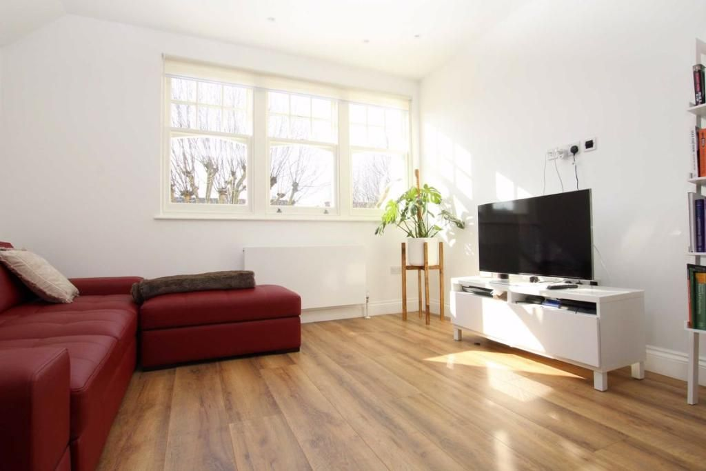 2 Bedroom Flat to rent in Muswell Hill, Queens Avenue