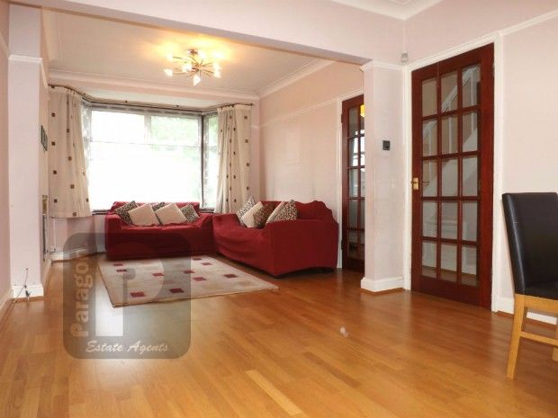 3 Bedroom Semi-Detached to rent in Kinsbury, Colindale, London, United Kingdom