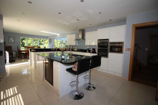 5 Bedroom Detached to rent in United Kingdom