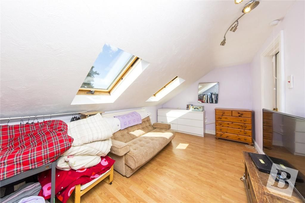 5 Bedroom Bungalow for sale in Upminster, The Grove