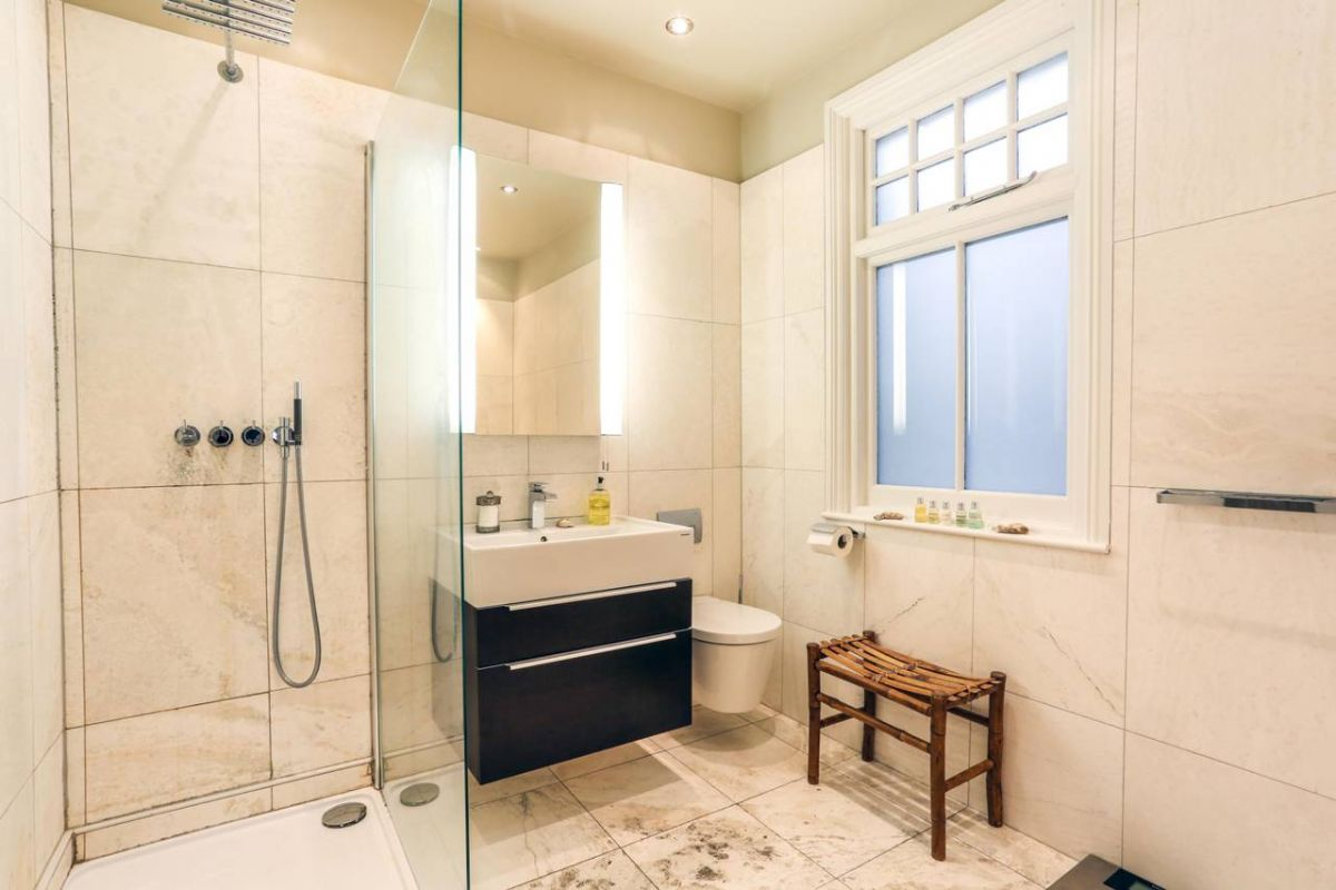 3 Bedroom House for sale in Croydon, Northampton Road