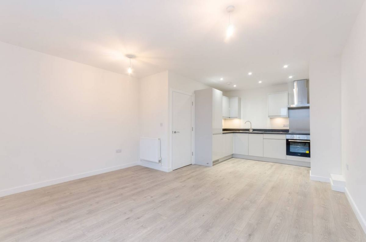 2 Bedroom Flat for sale in Sutton, 174 High Street