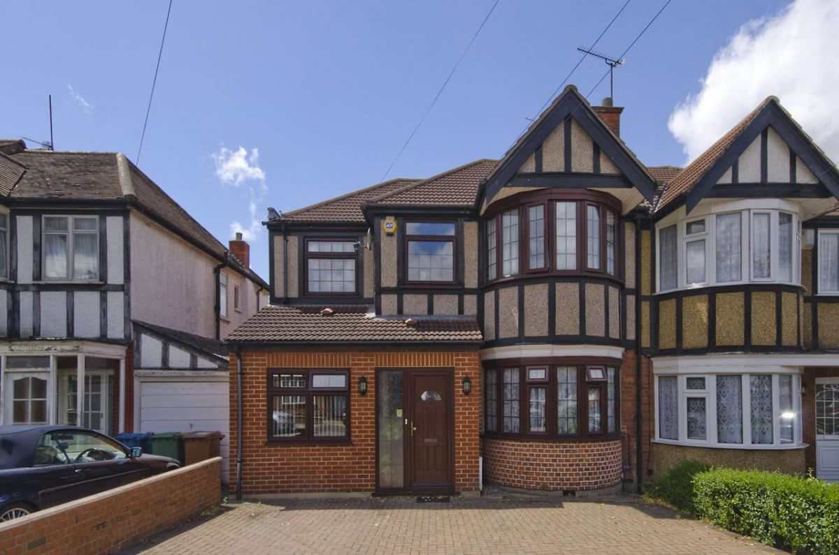 6 Bedroom Semi-Detached for sale in Harrow, Middlesex, United Kingdom