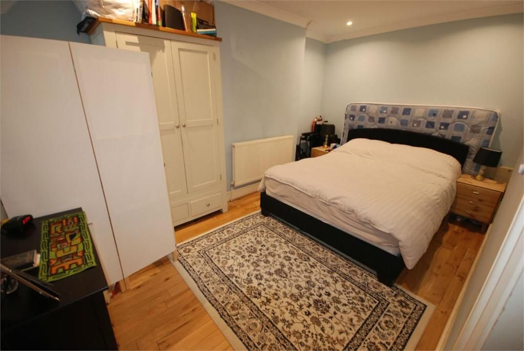 2 Bedroom Apartment to rent in Balham, Ouseley Road