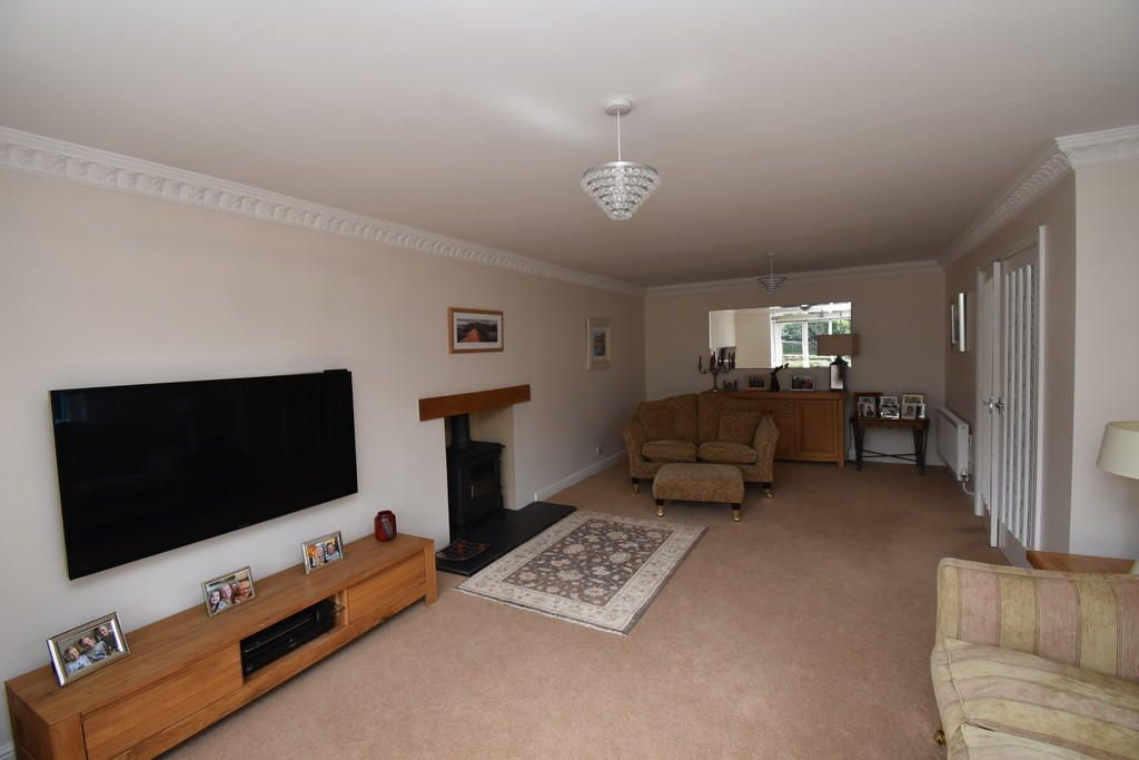 4 Bedroom Detached for sale in North Allerton, Lynton Way