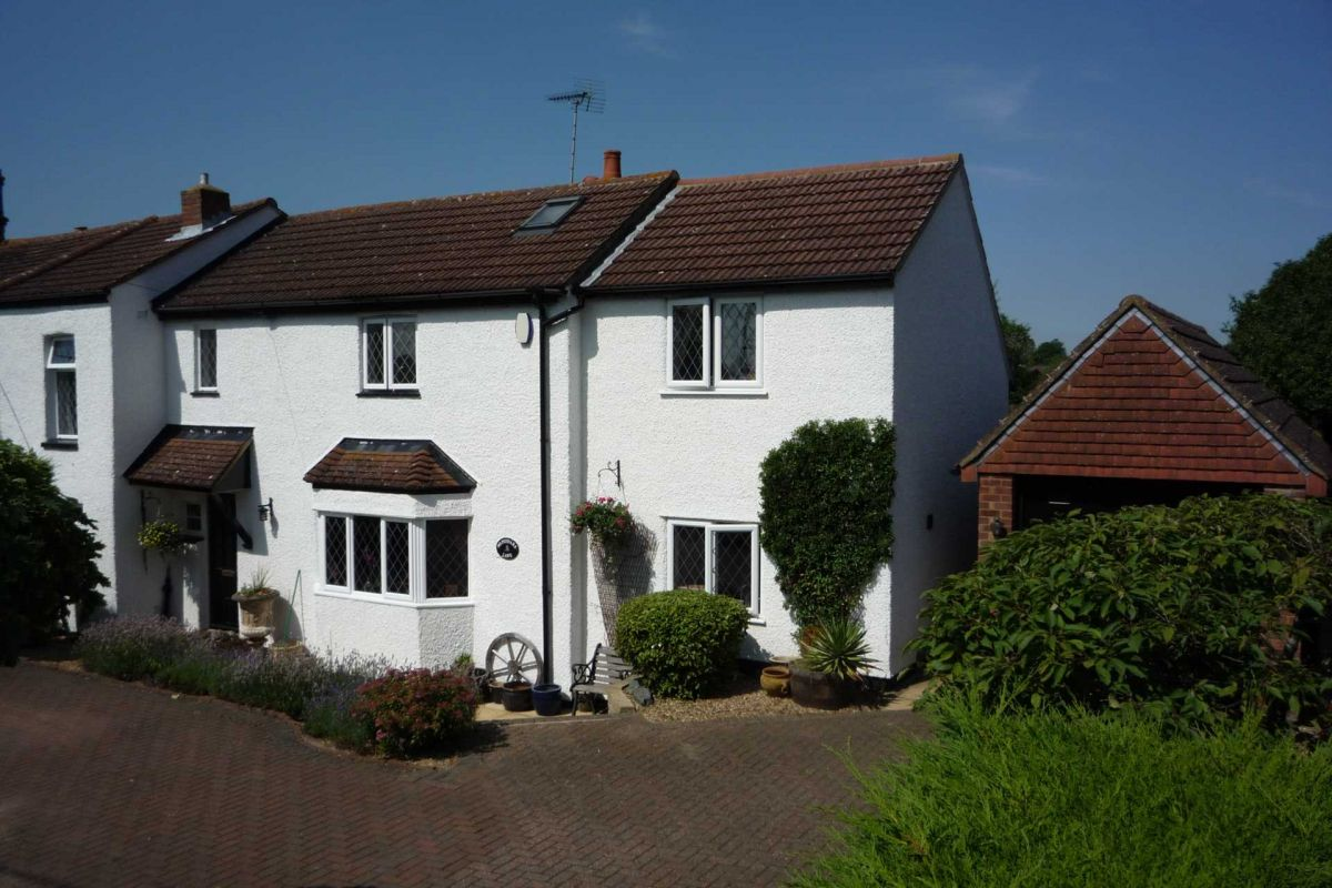 4 Bedroom Semi-Detached for sale in Leighton Buzzard, Bedfordshire, United Kingdom