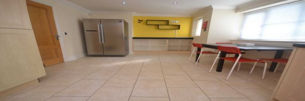 6 Bedroom Flat for sale in Reading, Berkshire, United Kingdom