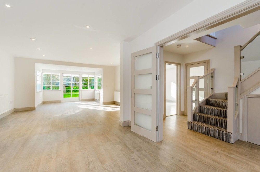 5 Bedroom Semi-Detached to rent in East Finchley, London, United Kingdom