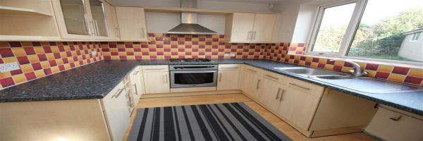 3 Bedroom Semi-Detached for sale in Pudsey, West Yorkshire, United Kingdom