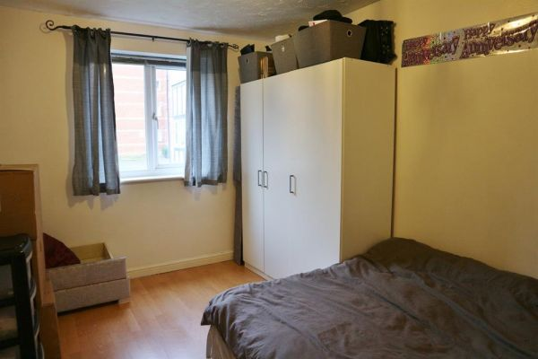 1 Bedroom Ground Flat to rent in United Kingdom