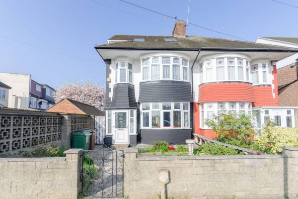 5 Bedroom Semi-Detached to rent in United Kingdom