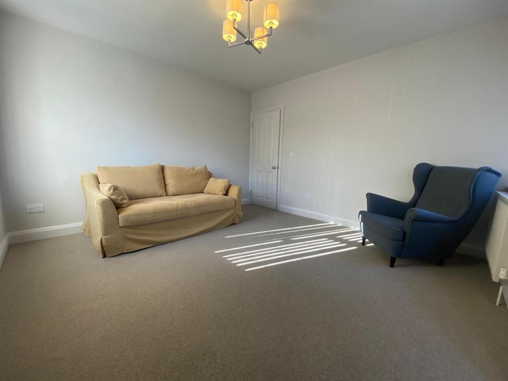 2 Bedroom Apartment to rent in Hayes, Uxbridge Road
