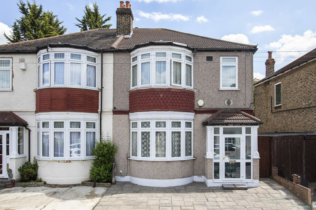 4 Bedroom Semi-Detached for sale in Bromley, Kent, United Kingdom