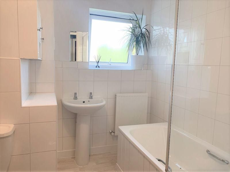 2 Bedroom Flat for sale in Bromley, Homefield Road