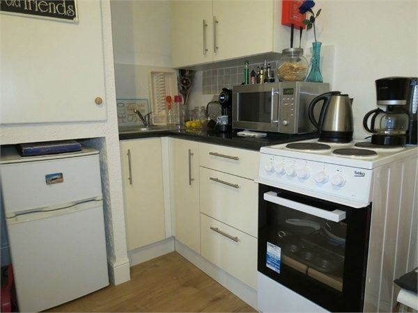 Studio to rent in Watford, Derby Road