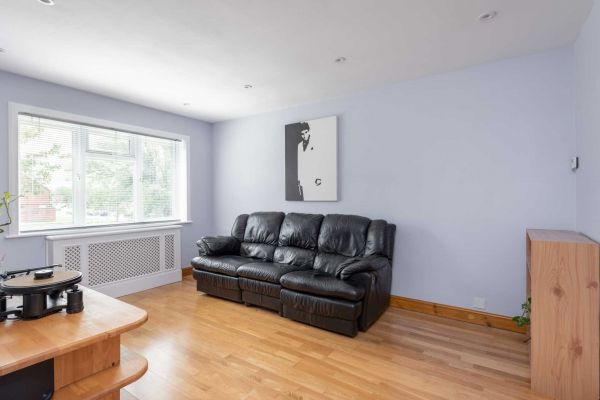 1 Bedroom Maisonette for sale in United Kingdom