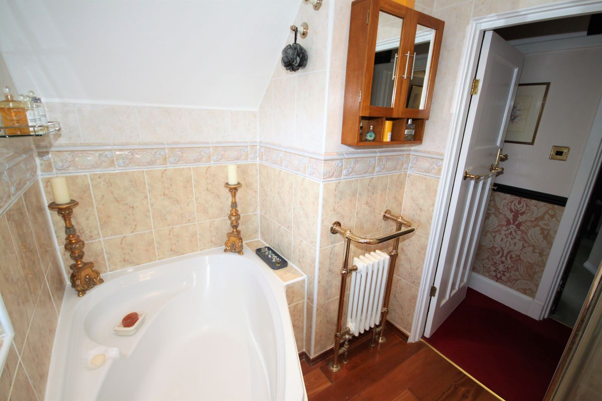 3 Bedroom Semi-Detached for sale in Orpington, The Covert