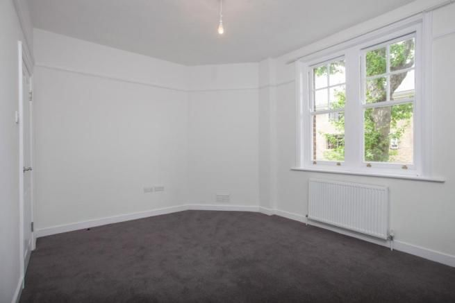 2 Bedroom Flat to rent in Hammersmith, Cromwell Avenue