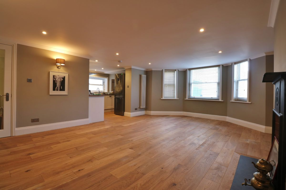 2 Bedroom Apartment to rent in Portsmouth, SOUTHSEA   CLARENDON ROAD   UNFURNISHED