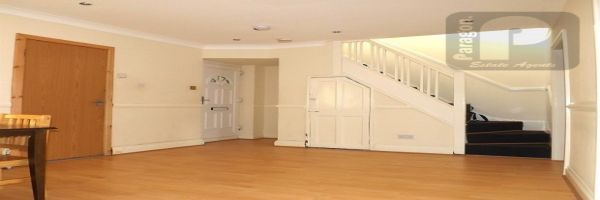 4 Bedroom Flat to rent in Kinsbury, Colindale, London, United Kingdom
