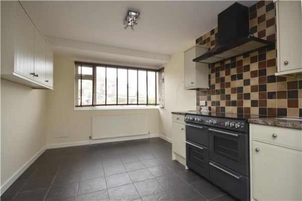 4 Bedroom Detached to rent in United Kingdom