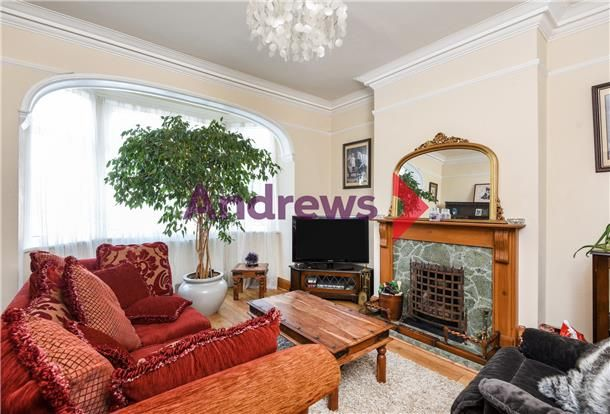 5 Bedroom Semi-Detached for sale in Streatham, Norbury, London, United Kingdom
