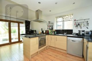 3 Bedroom Semi-Detached to rent in Mill Hill, London, United Kingdom