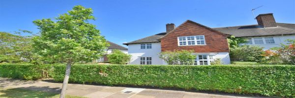 3 Bedroom Semi-Detached to rent in Golders Green, Hampstead Gdn Suburb, London, United Kingdom