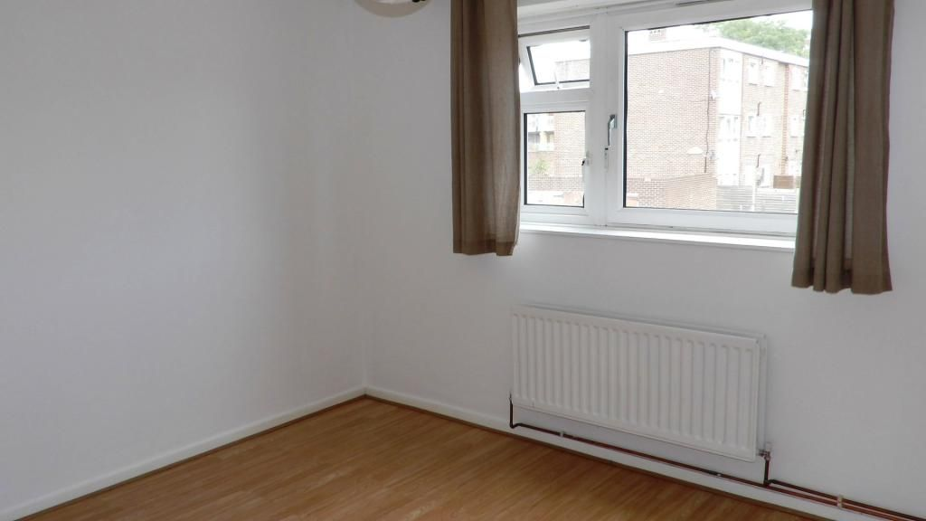 2 Bedroom Flat to rent in Barking, St Anns