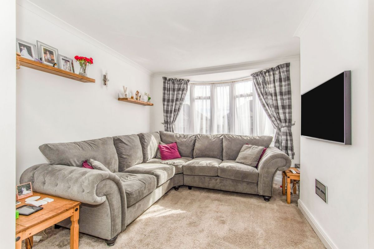 3 Bedroom Terraced for sale in Rochester, Jersey Road