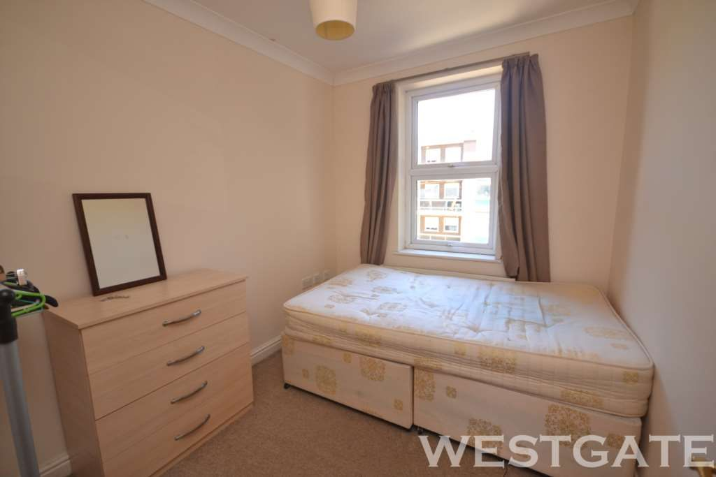5 Bedroom Terraced to rent in Reading, Hamilton Road