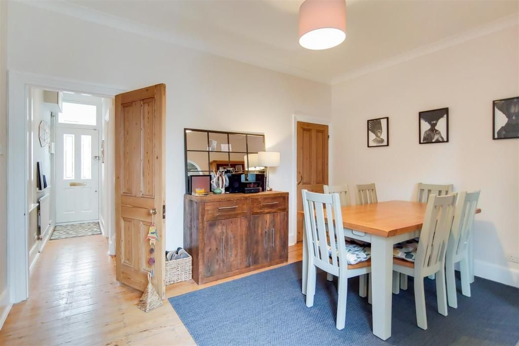 3 Bedroom Semi-Detached for sale in Bromley, Bromley Gardens