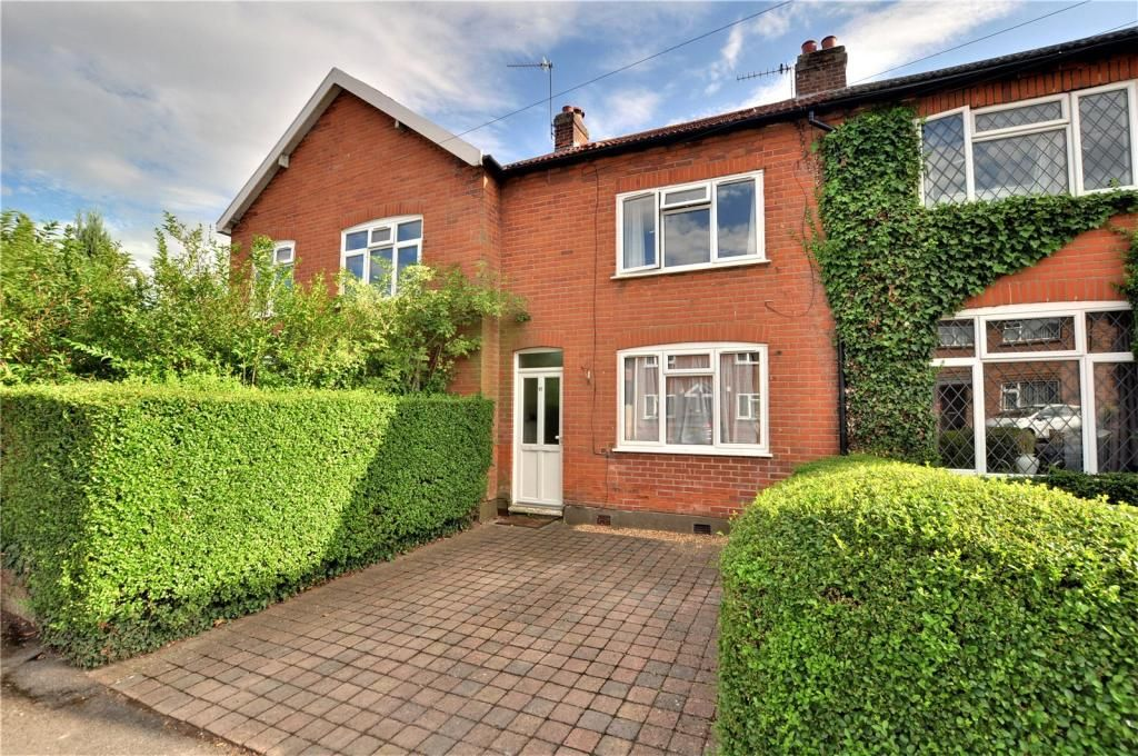 3 Bedroom Terraced to rent in Egham, Laurel Avenue