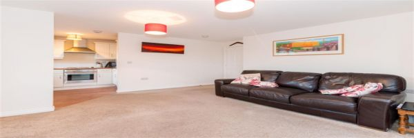 2 Bedroom Flat for sale in Bradford, West Yorkshire, United Kingdom