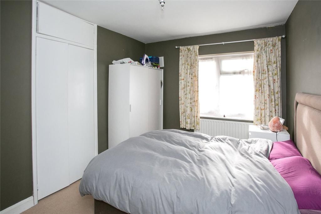 1 Bedroom Apartment for sale in Watford, Gosforth Lane