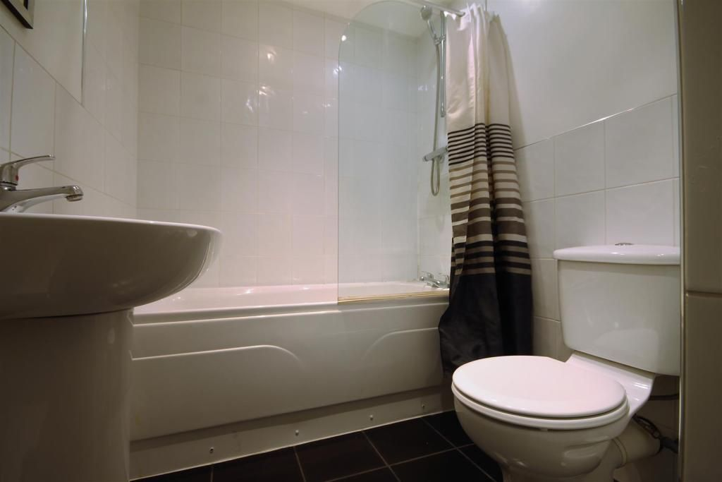 6 Bedroom Maisonette to rent in Newcastle Upon Tyne, Deuchar Street