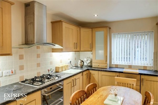 3 Bedroom Detached for sale in Welshpool, Powys, United Kingdom