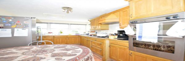 5 Bedroom Detached to rent in Friern Barnet, New Southgate, London, United Kingdom
