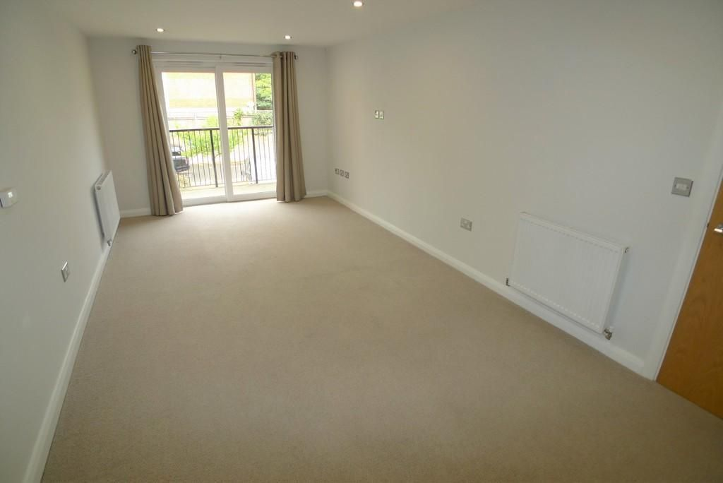 1 Bedroom Apartment to rent in Sidcup, Hatherley Road