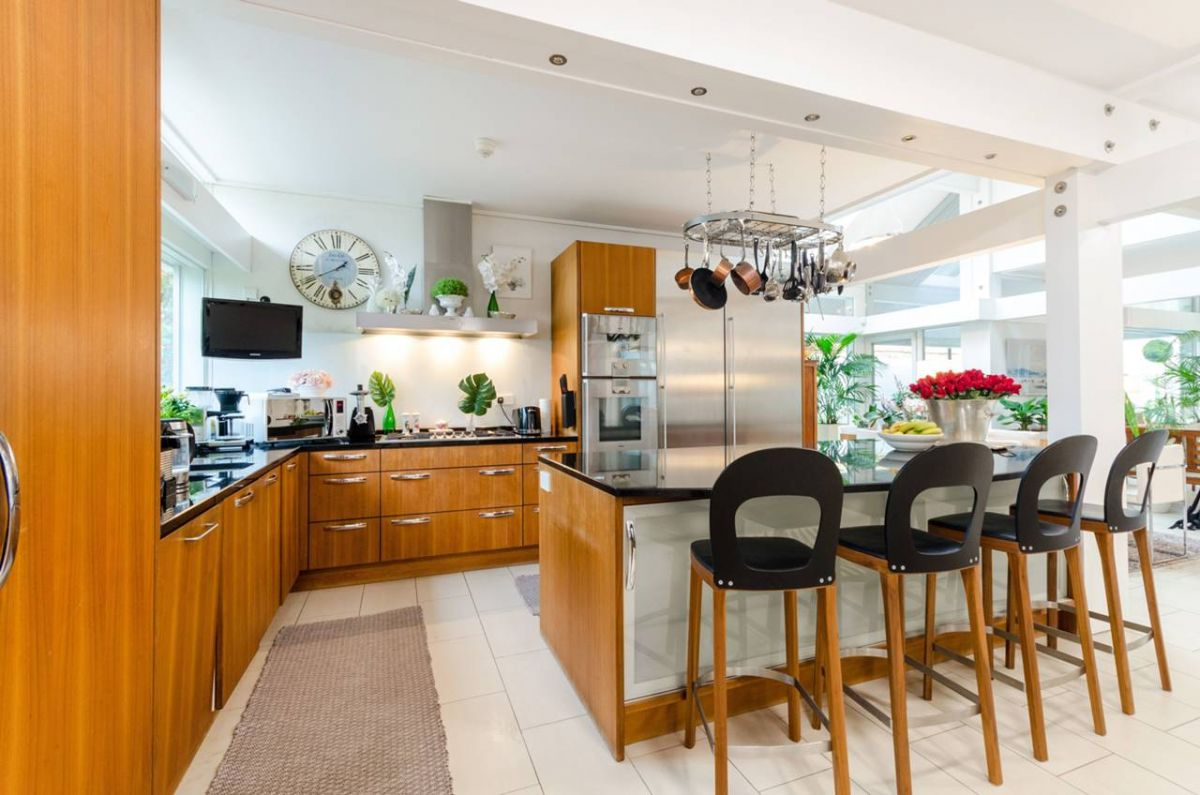 6 Bedroom House for sale in Kingston Upon Thames, Kingston Hill