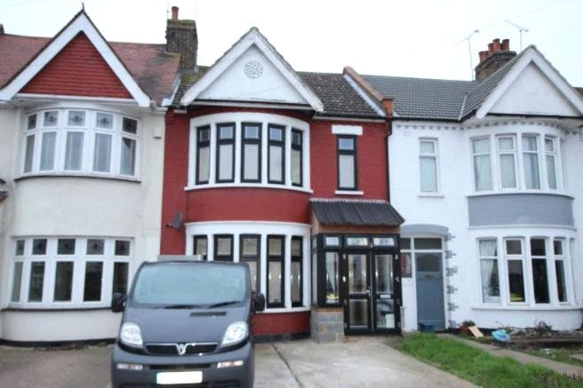 3 Bedroom Detached for sale in Southend On Sea, Essex, United Kingdom