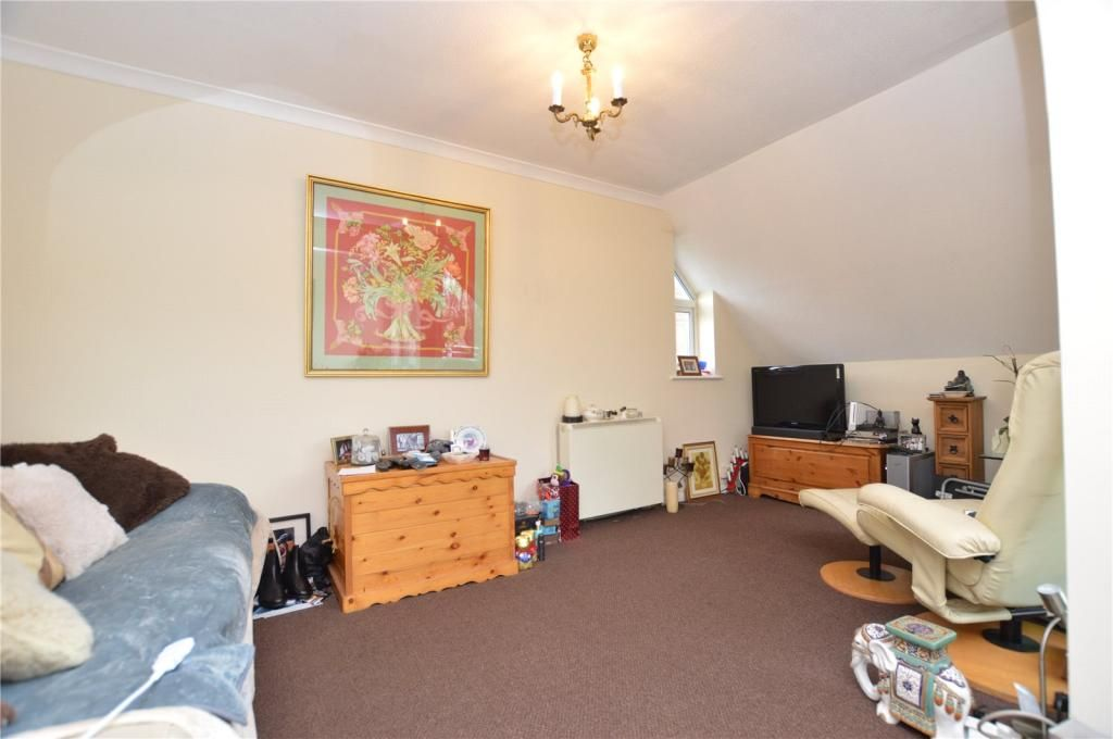 2 Bedroom Apartment for sale in Basildon, Eynsham Way
