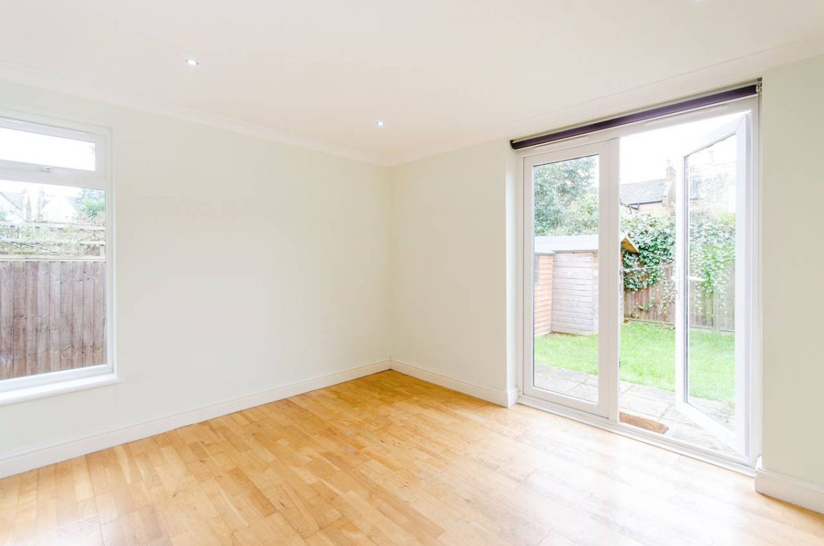 2 Bedroom Flat to rent in West Ealing, Egerton Gardens