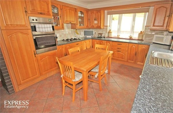 4 Bedroom Detached for sale in Llanelli, Dyfed, United Kingdom