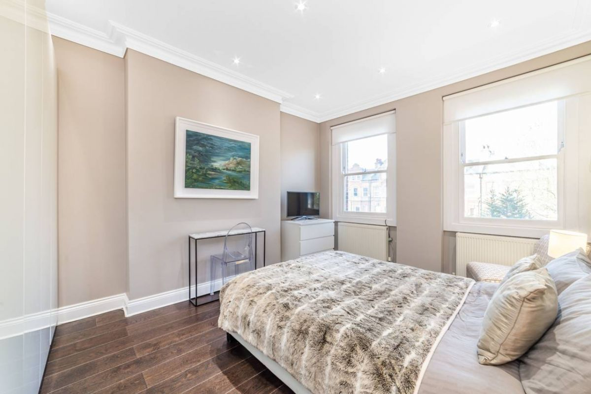4 Bedroom Flat for sale in Hampstead, Fellows Road