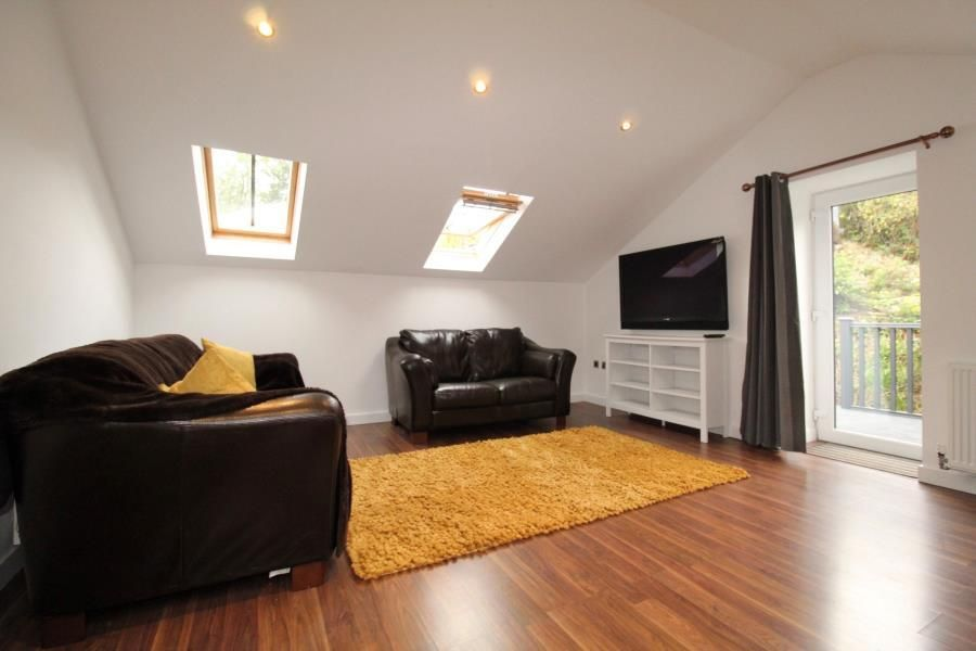 2 Bedroom Apartment to rent in Leeds, The Annex