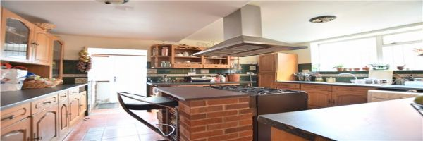3 Bedroom Semi-Detached for sale in Gloucester, Gloucestershire, United Kingdom