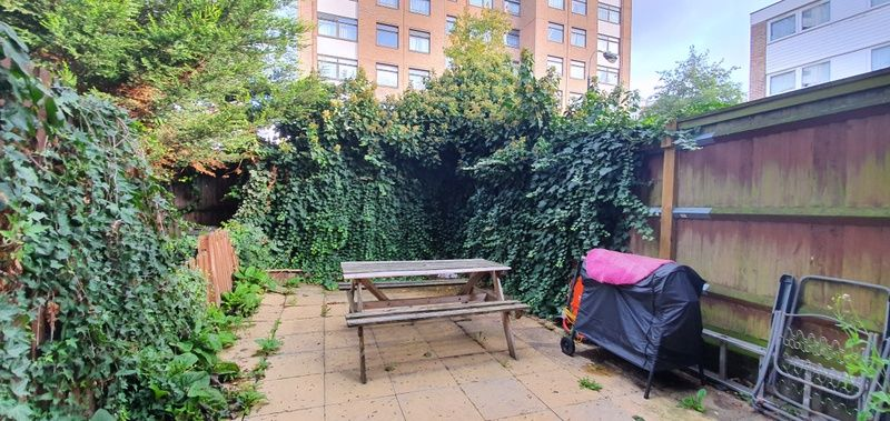 1 Bedroom End of Terrace to rent in West Kensington, Aisgill Avenue