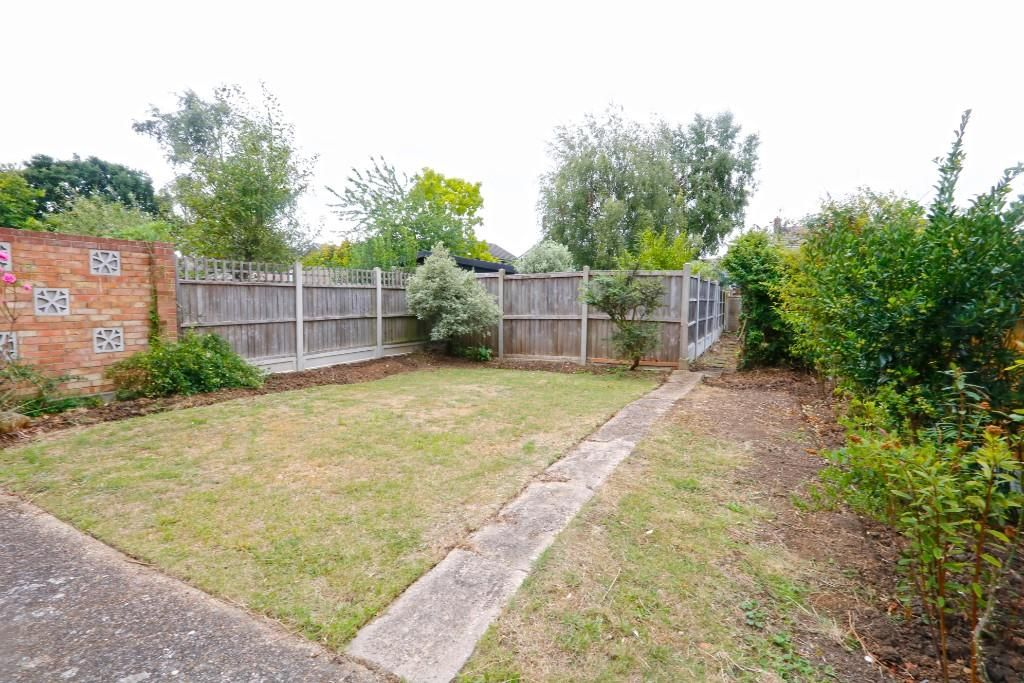 3 Bedroom Semi-Detached for sale in Benfleet, Blyth Way
